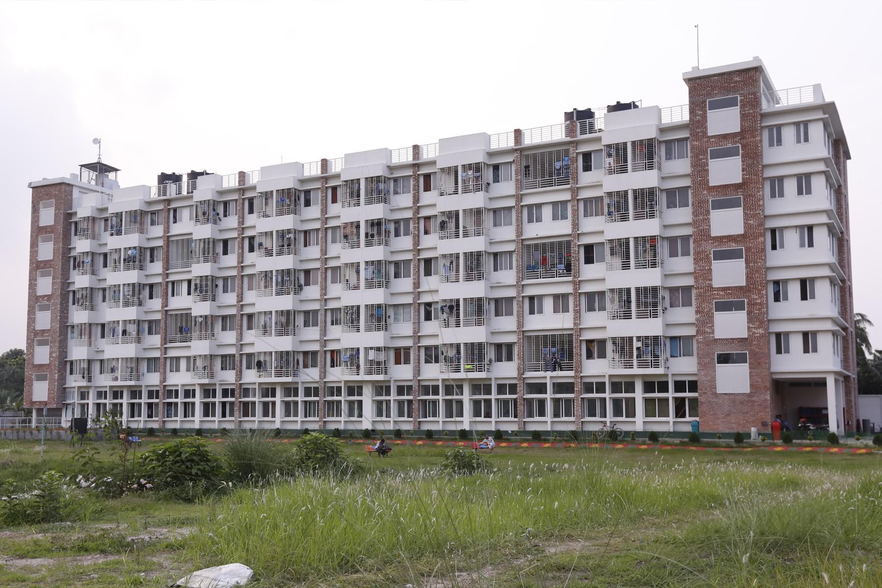 PIP Employee Residence Building for Man